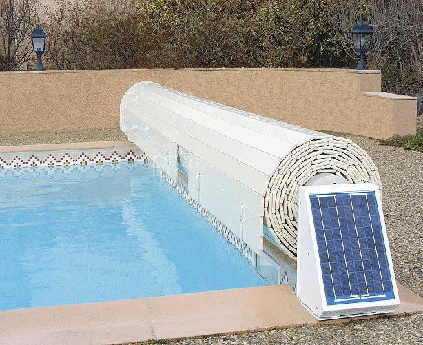 Volet roulant piscine solaire carlit for Volet roulant de piscine