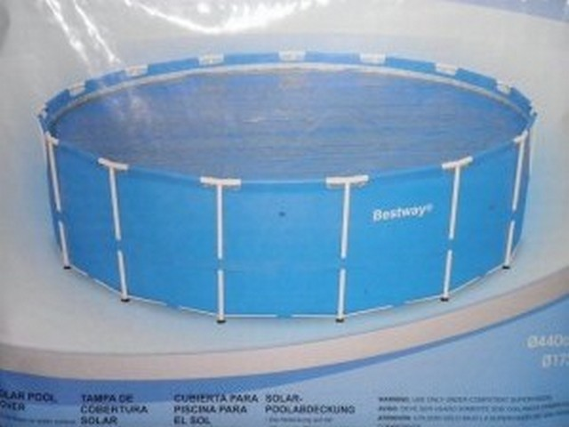 Piscine b che bulle for Accessoire piscine zyke