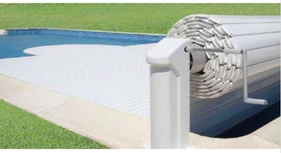 Couverture manuelle bahia piscine international for Abri piscine zyke