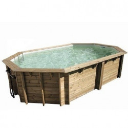 Un kit piscine en pin sylvestre octogonal allongée de 5.42x3.47x1.24