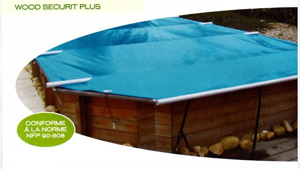 Cette b che barres s curis e wood securit plus est la for Norme securite piscine
